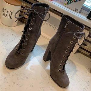 Vince Comuto Suede Boots